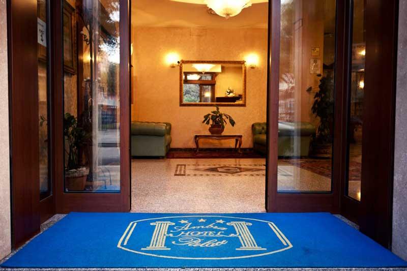 Ingresso dell' Ambra Palace Hotel