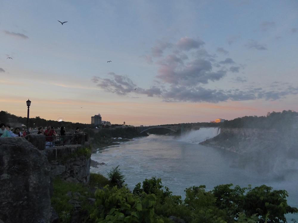 Niagara-al-tramonto