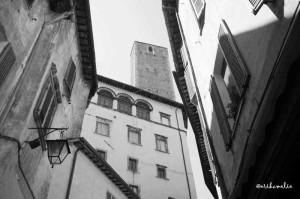 Con il naso all'insù per le vie di Spoleto