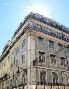 Azulejos sui palazzi della città