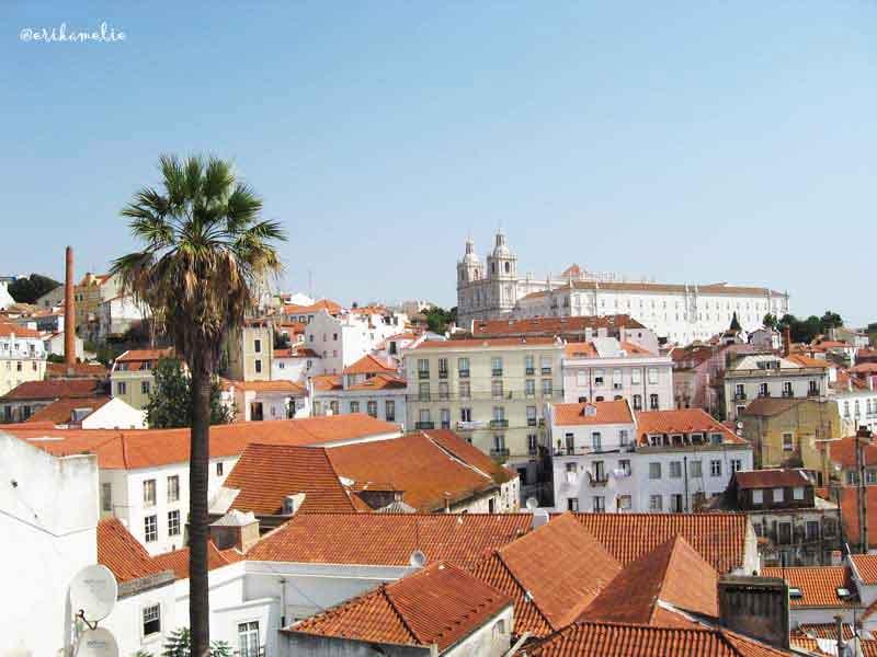 La luce di Lisbona da uno dei suoi belvedereLa luce di Lisbona da uno dei suoi belvedere